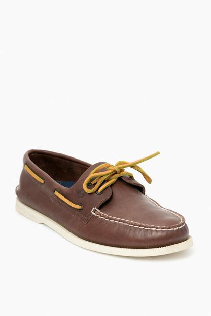 men's classic brown authentic original 2-eye boat shoe